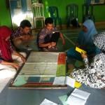 Proses pelatihan pemetaan sosial di Desa Tracap, Wonosobo