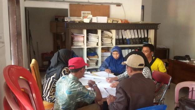 Tim Pembaharu Desa Jambearjo FGD tentang Kewenagan Bidang Pemerintahan Desa
