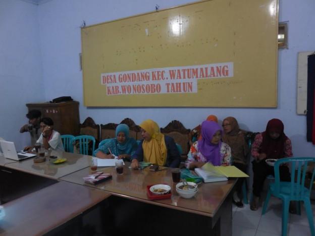 Keterlibatan Perempuan. Perempuan juga terlibat dalam verifikasi data aset dan potensi Desa Gondang