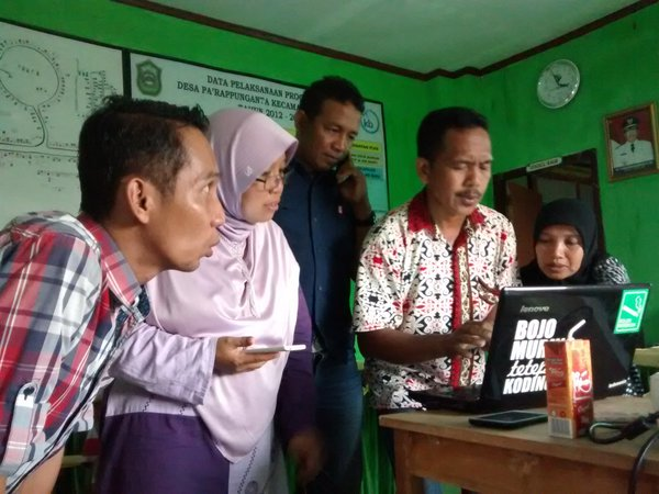 Pembaharu Desa Takalar belajar SMS Gateway